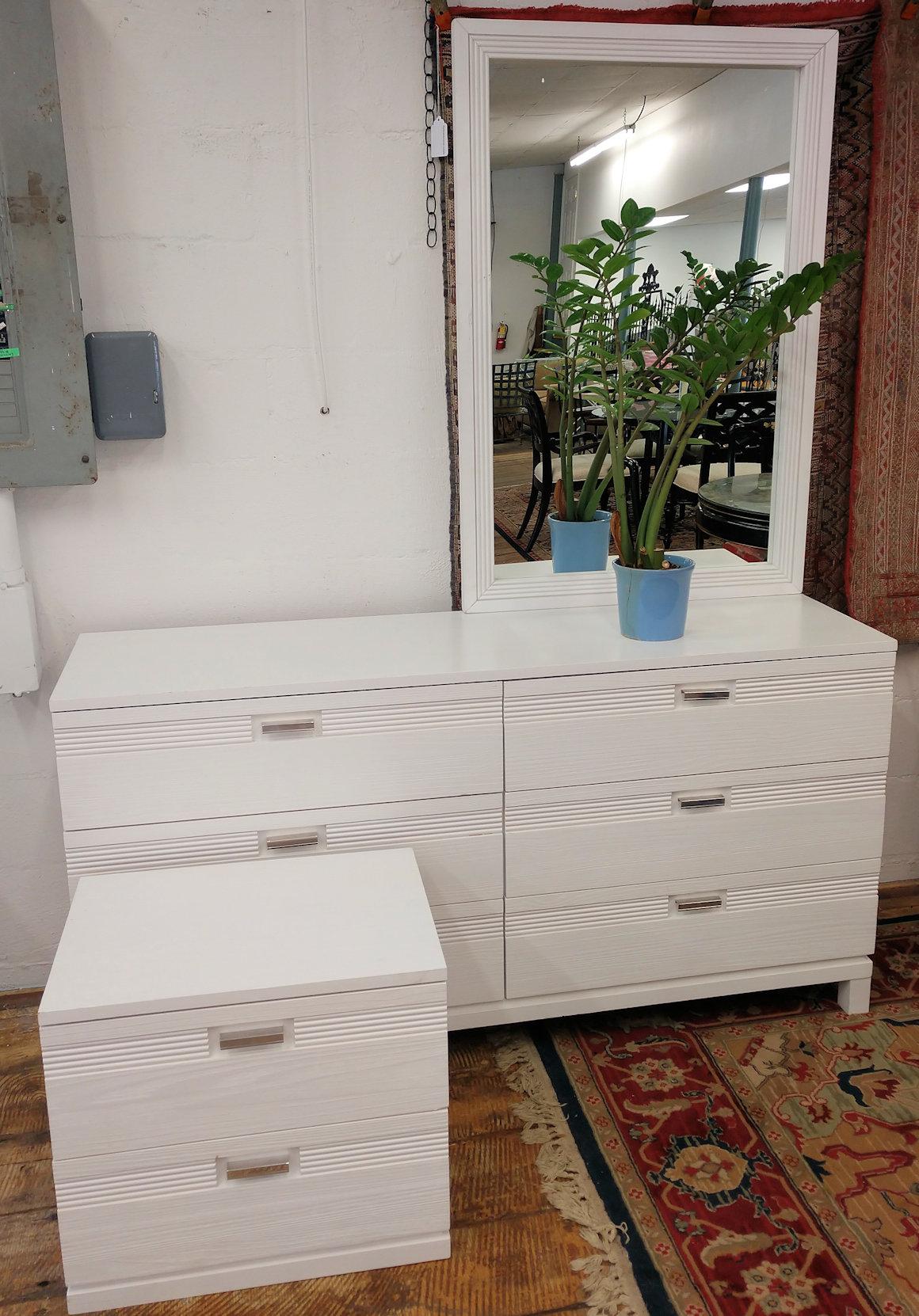BR0122-Dresser-offcenter-mirror