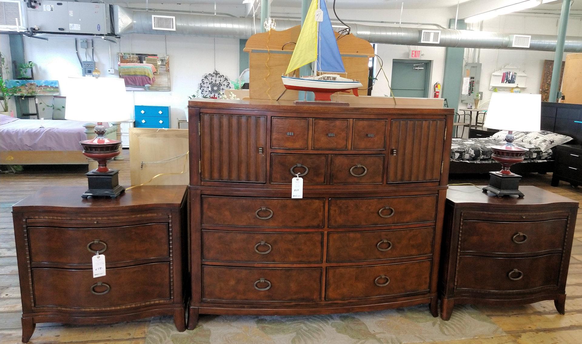 BR0167-Havertys-chest-pr-nightstands