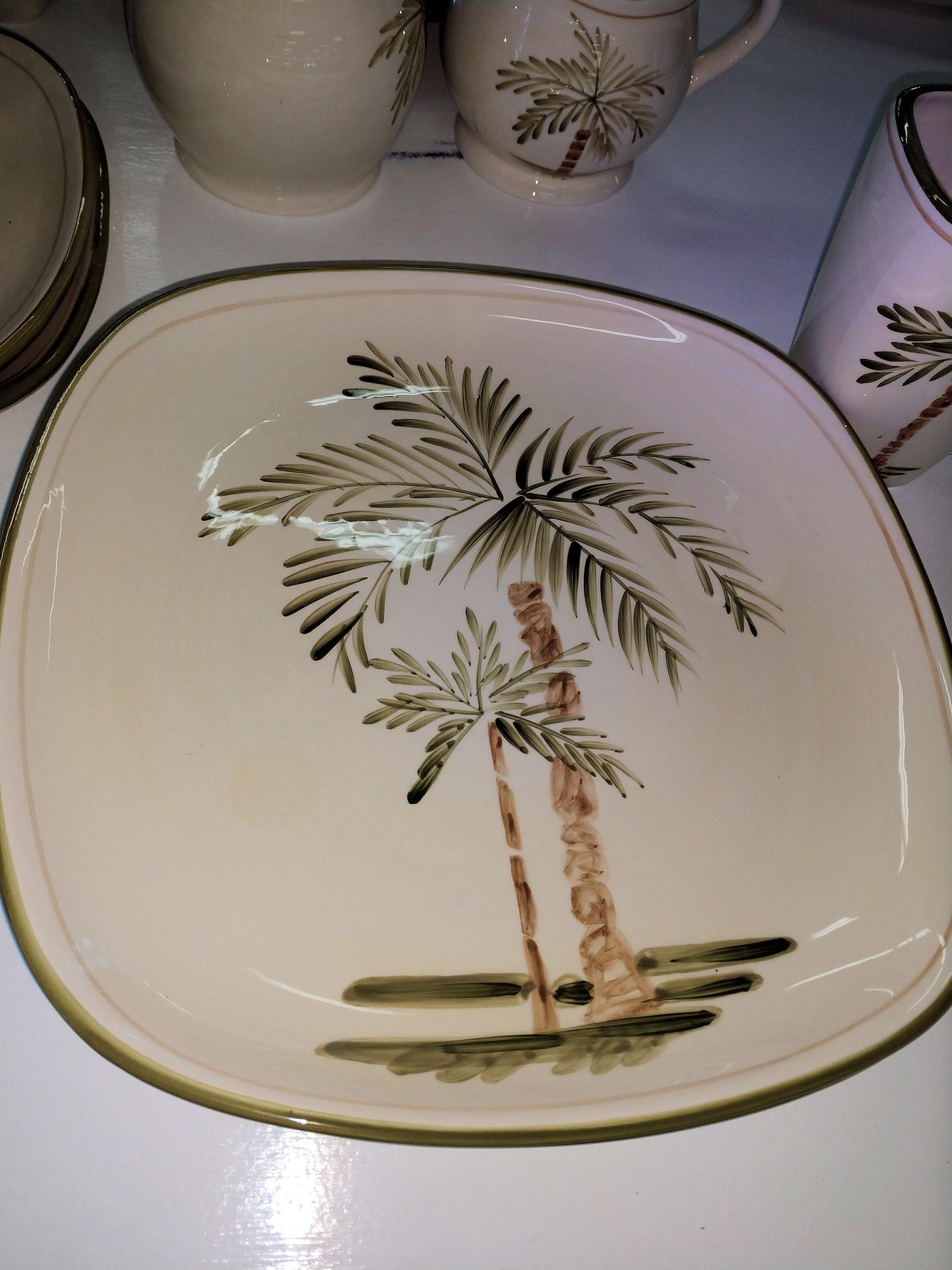 KK0105-Dishes-PalmCourt