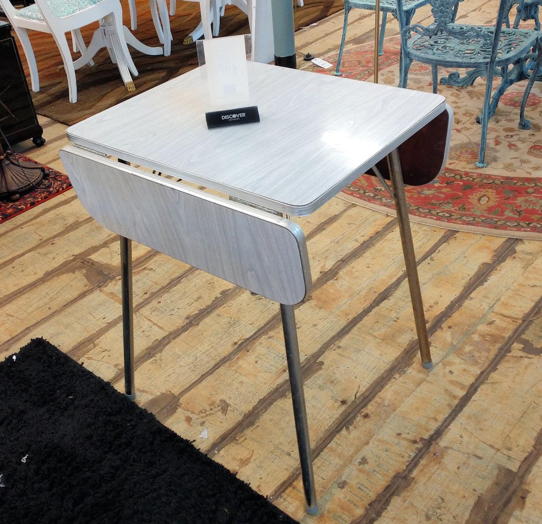 KT0023-Drop-leaf-enamel-table