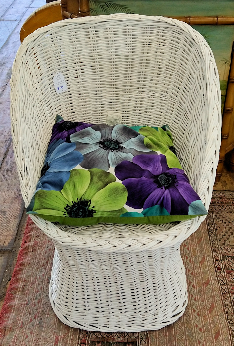LA0059-Whitewicker-chair