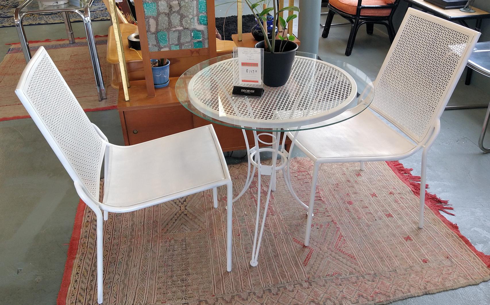 LA0062-Iron-mesh-table-2chrs