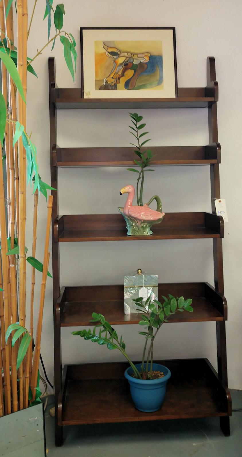 LR0222-Bookshelf-slanted