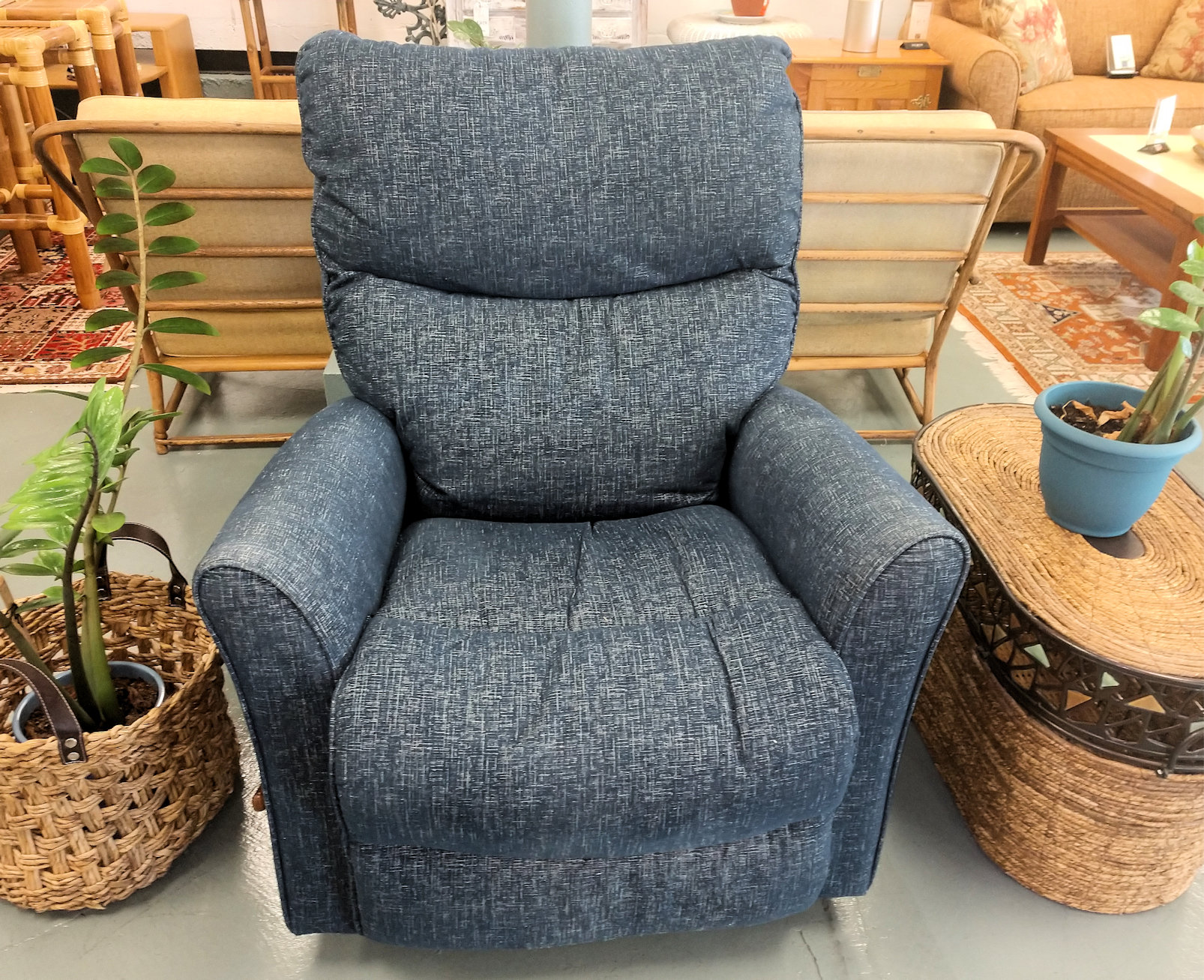LR0256-La-Z-Boy-Recliner-Heather-Blue