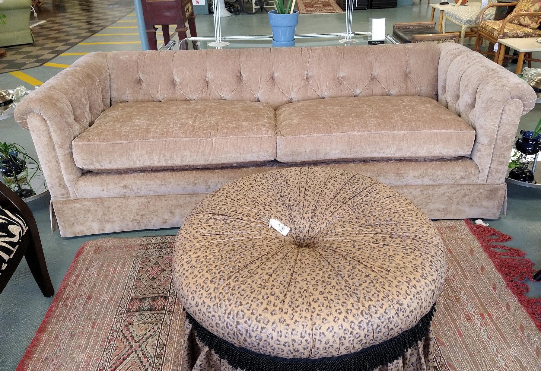 LR0302-Henredon-Sofa-front