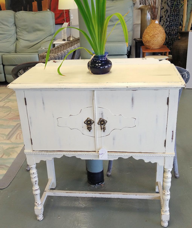 LR0382-Whitewashed-cabinet