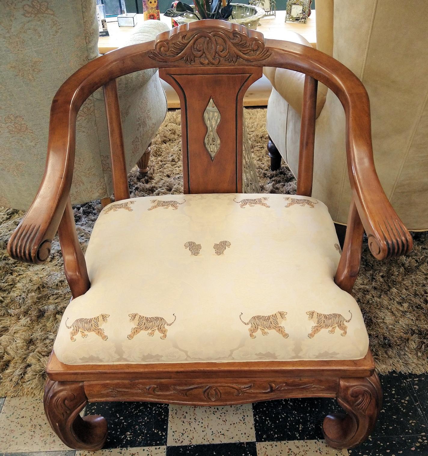 LR0383-Ming-Lion-Armchair