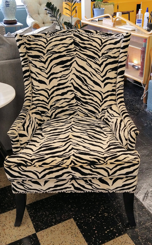 LR0390-Tiger-stripe-armchair-Hooker