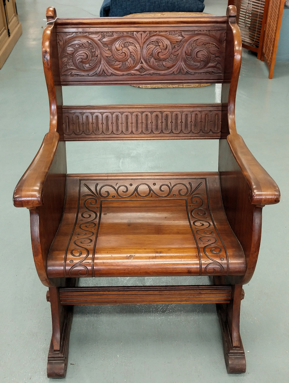 Lr0261-Bishop-Chair1