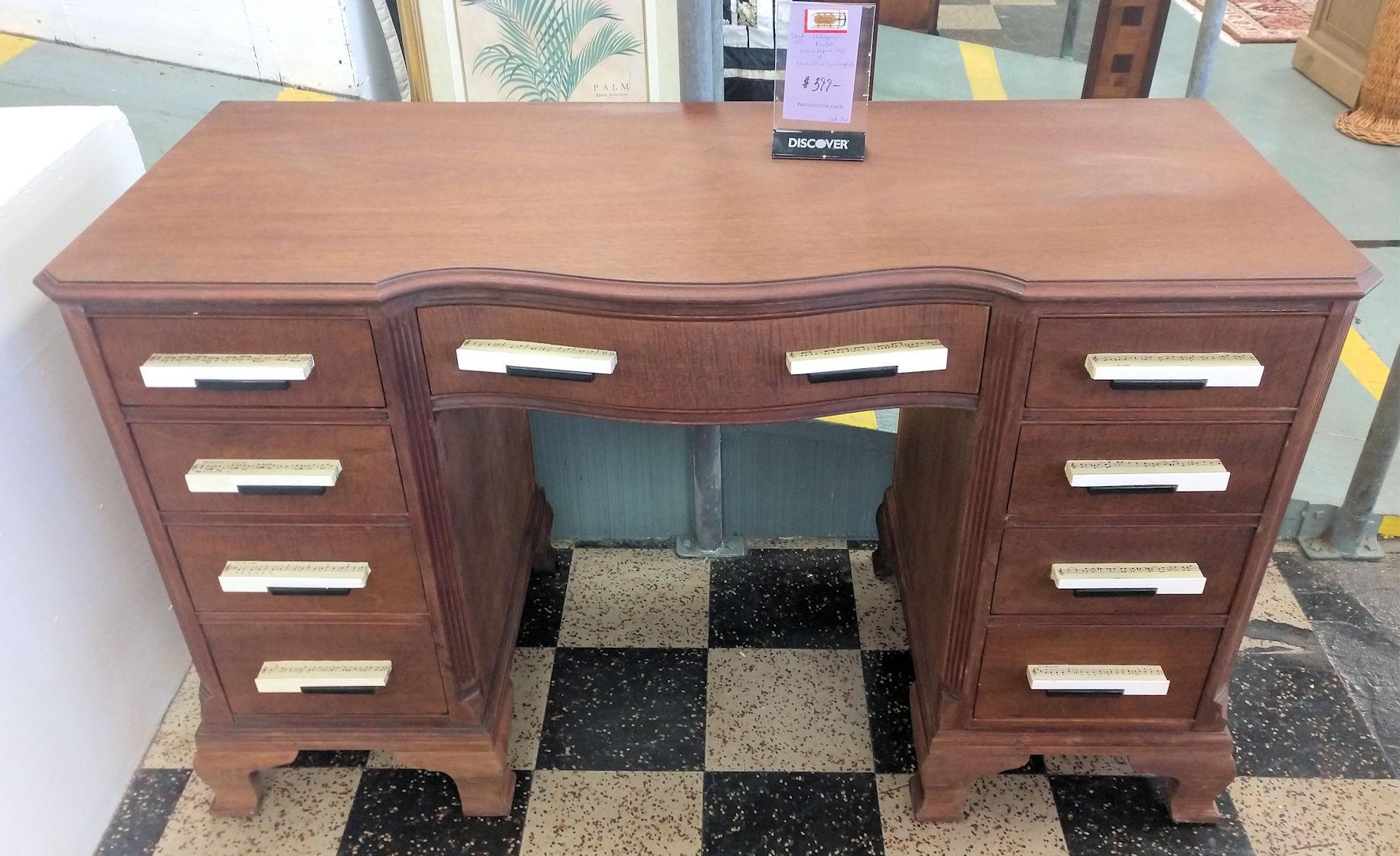 OF0028-Piano-Key-Pulls-Desk
