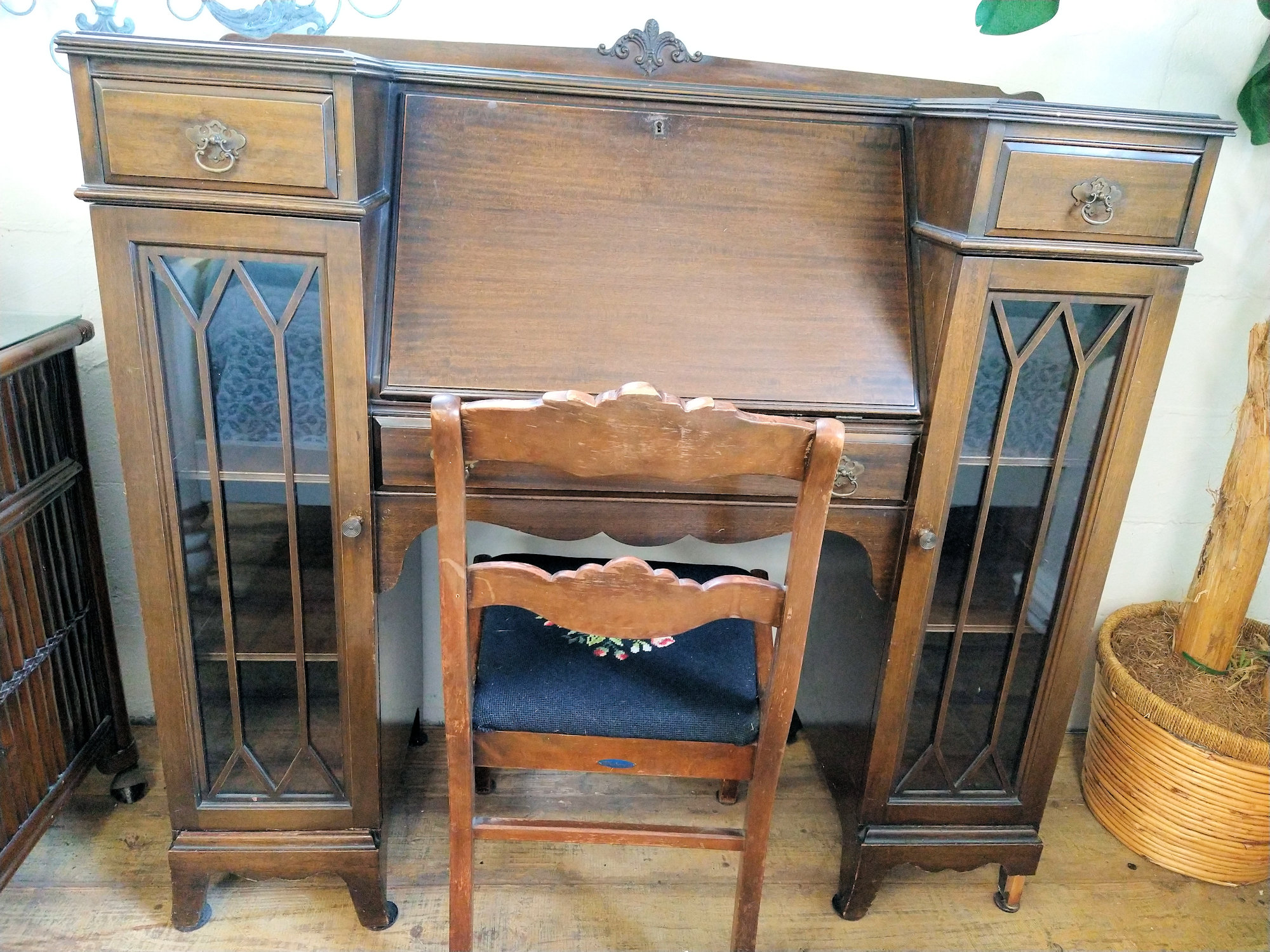 OF0036-Antique-desk-glass-sidedoors1