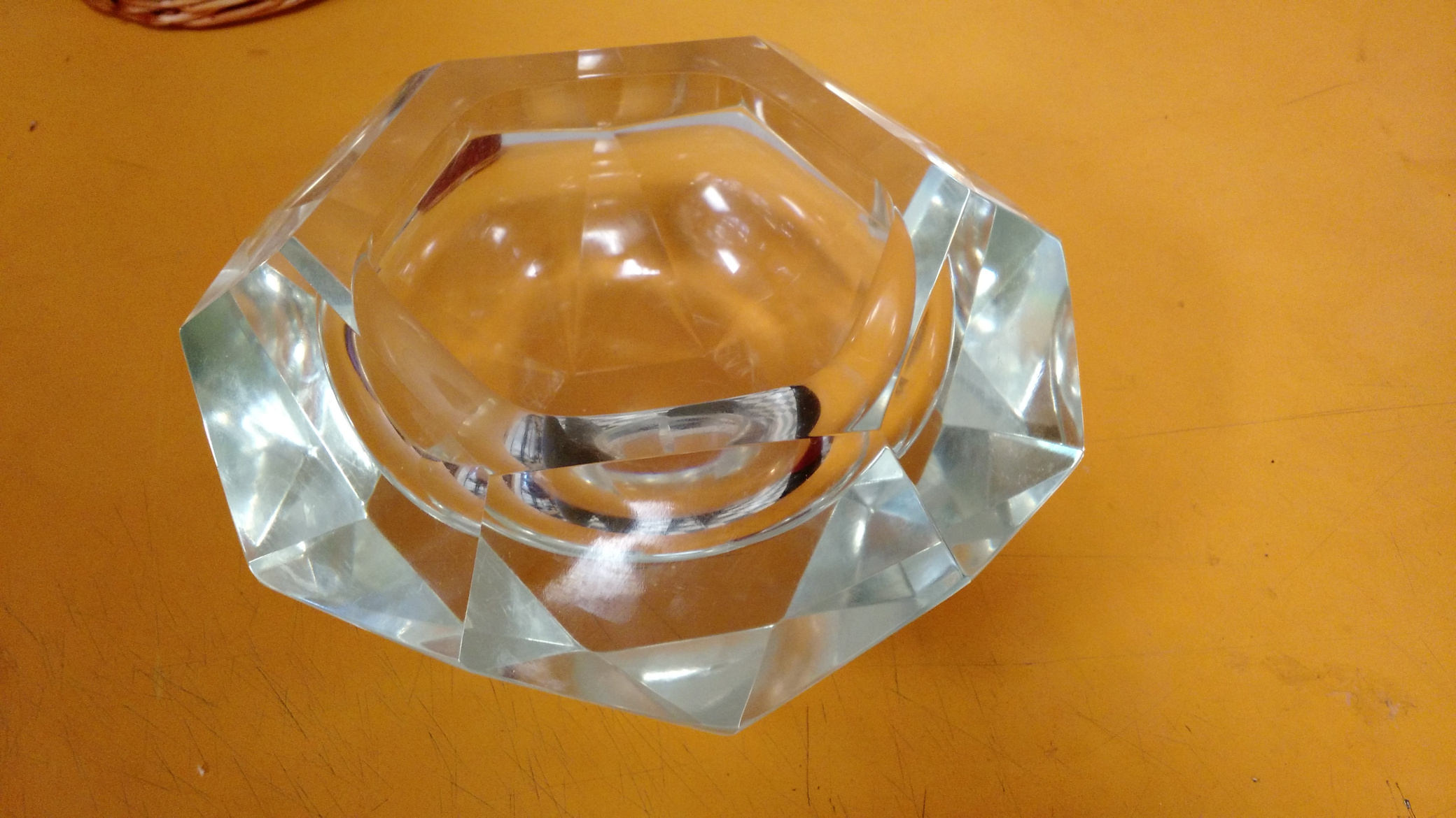 KK0001_Lucite_Hexagonal_Bowl